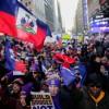 Des centaines d'Haïtiens manifestent à Times Square contre le racisme